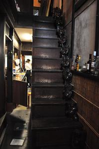 階段だんすにはたくさんの布袋さんが!