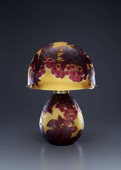 ガレ「シャクナゲ文スフレ・ランプ」1918-1931年頃